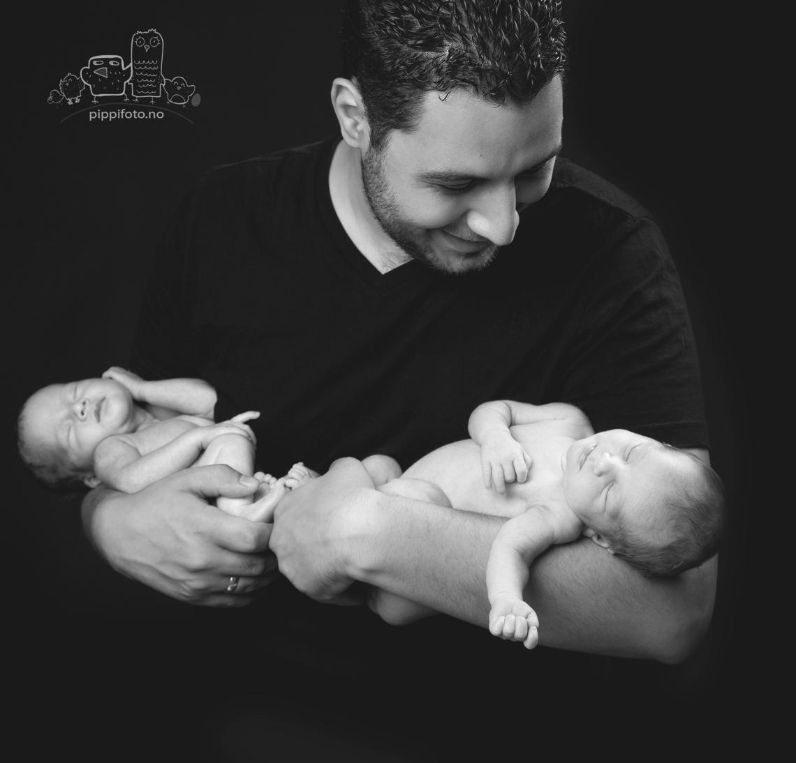 pappa-love-familiefoto-babyfotograf-nyfoedtfotografering-nyfødt baby-nyfødt-tvillinger
