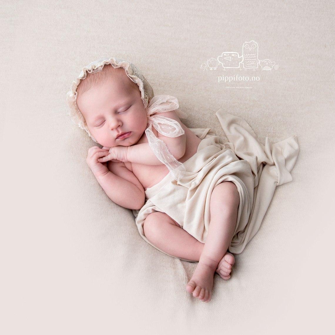nyfødtfotografering-Oslo-familiefotografering-termindato-fødsel-babyfotograf
