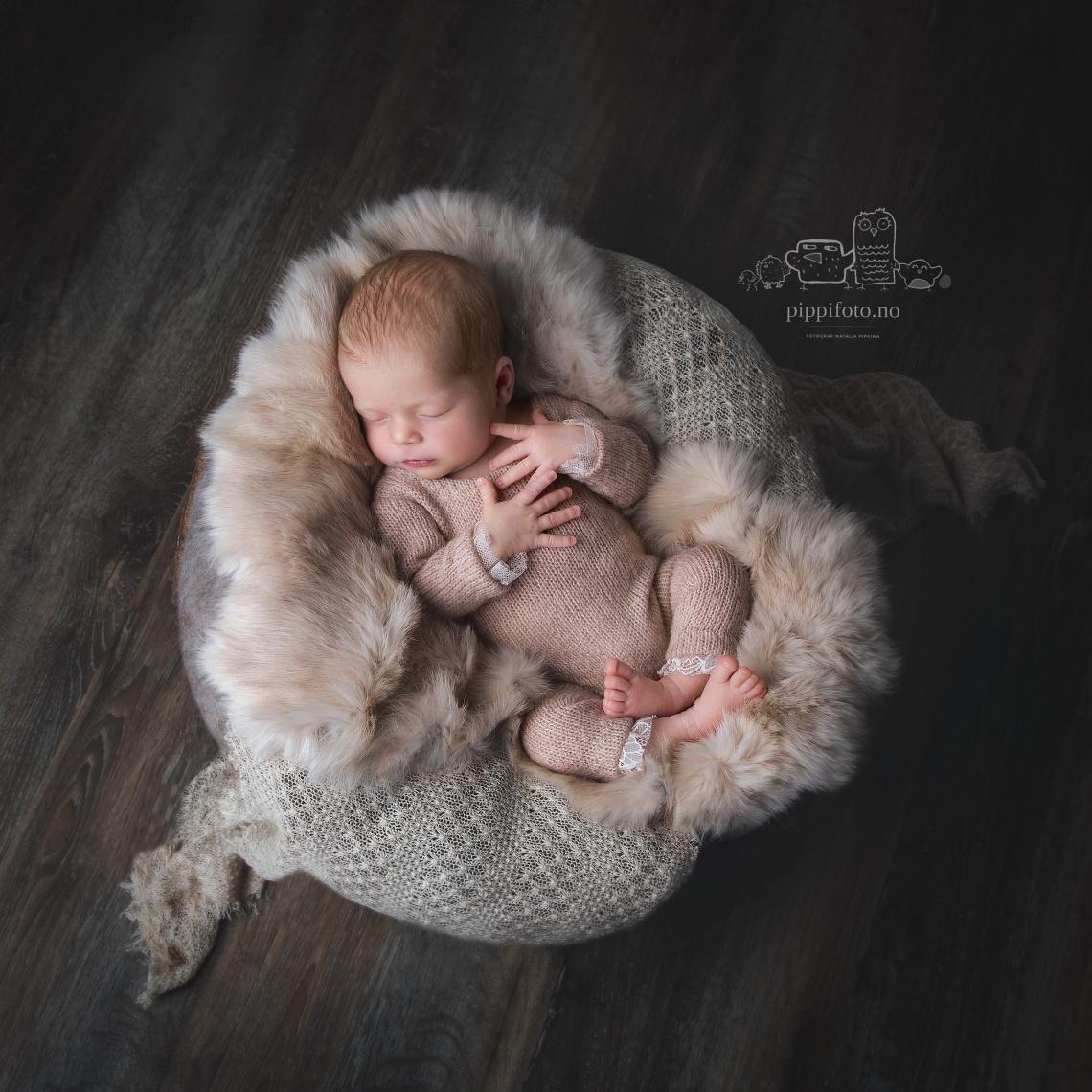 nyfødtfotografering-Oslo-nyfødtfotograf-familiefotografering-oppegård-follo-oslo