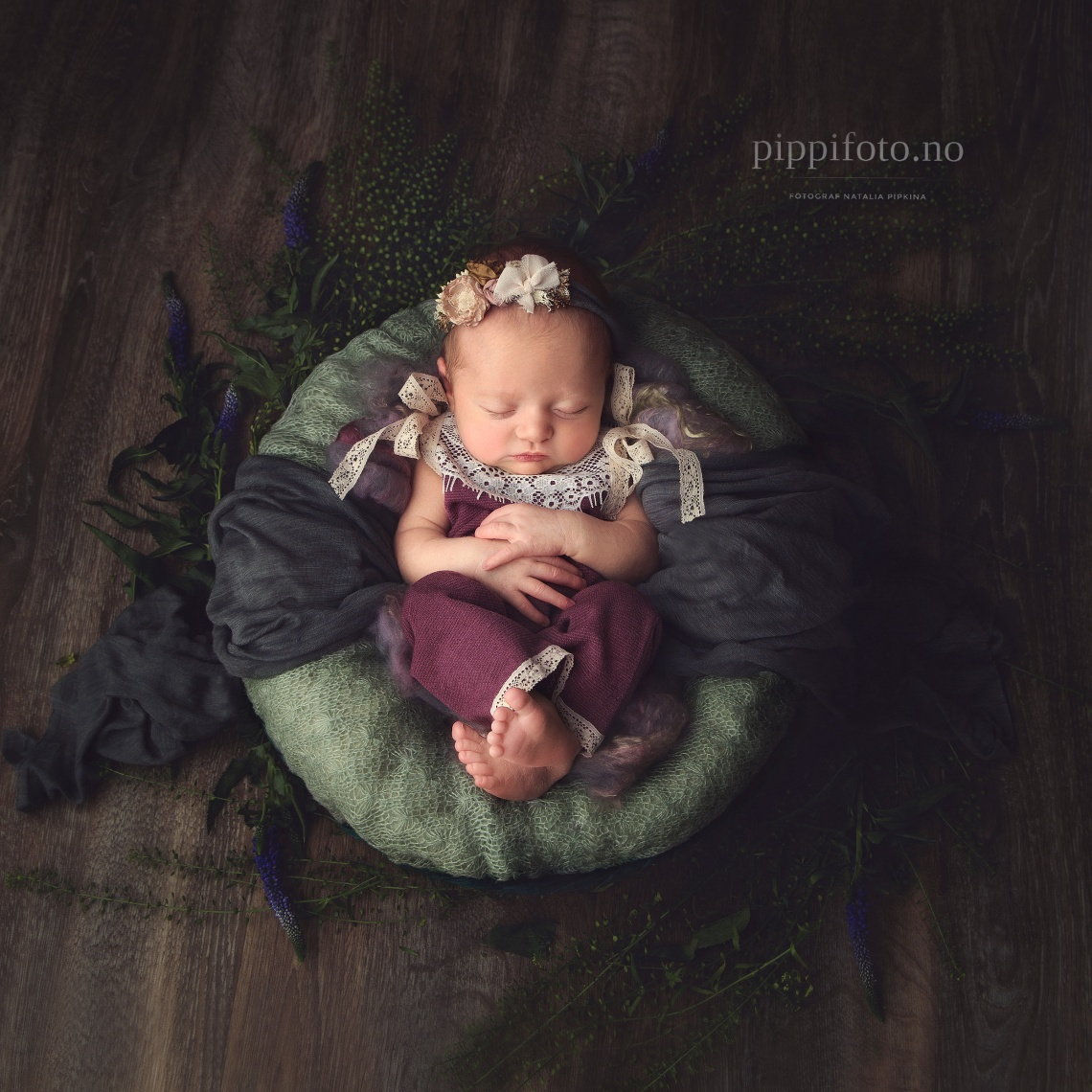 nyfødtfotografering-oslo-follo-fotograf-babyfoto-nyfødtbilder-venter-barn-gravid-nyfødtfoto-babyshower-jente