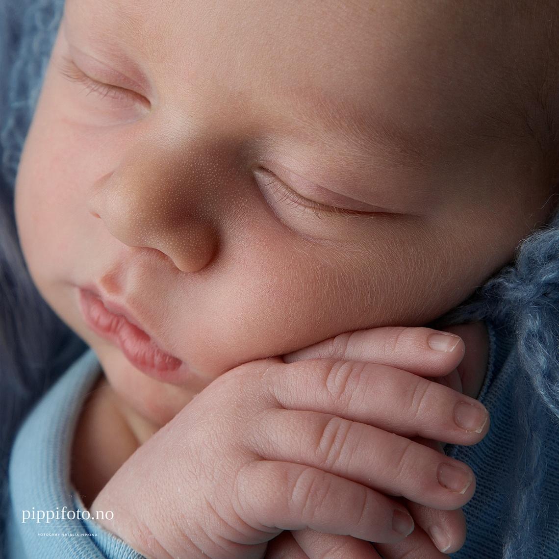 navn-til-nyfødt-gutt-nyfødtbaby-nyfødtfotografering-gravidfoto-termindato-babyfoto-follo-fotograf-venter-et-barn-familiefotografering-Oslo